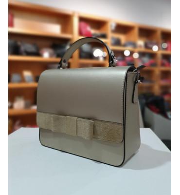 Женская кожаная сумка (Италия) / размер 23-28-11 см /  цвет черный