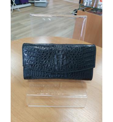 Глянцевый кошелек черного цвета из фактурной кожи крокодила CROCODILE LEATHER