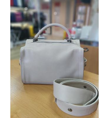 Женская сумка из качественной экокожи, цвет бежевый, 25-18-12 см