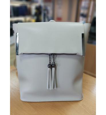 Женская сумка-рюкзак  из качественной экокожи, в принте кроко,29-31-12 см, цвет черный